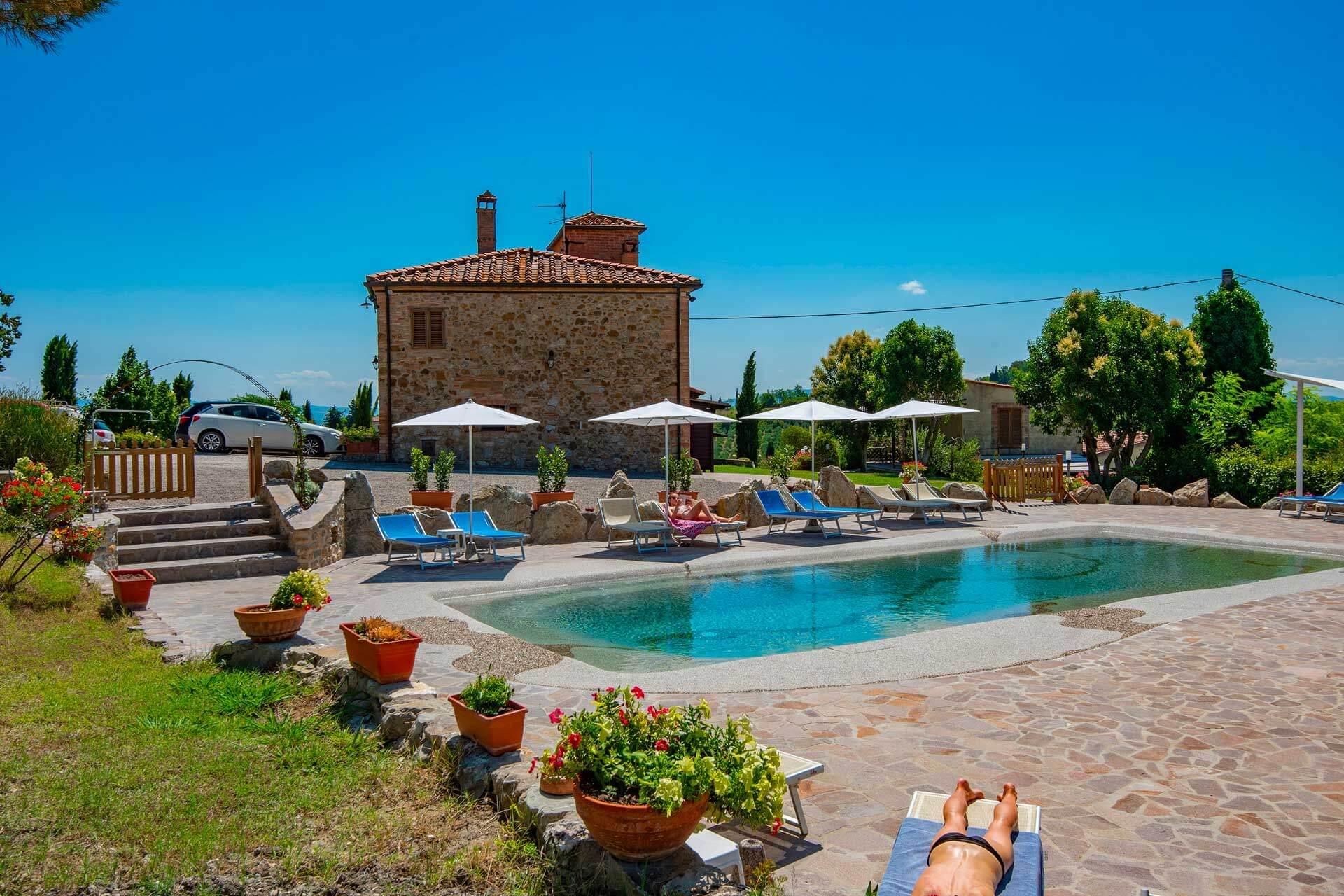 ferienhaus toskana ferienhaus mit pool in der toskana ferienhaus pool toskana italien. Black Bedroom Furniture Sets. Home Design Ideas